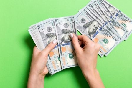 Losses Lisa Stevenson of Huntington Investments in Albany, OH